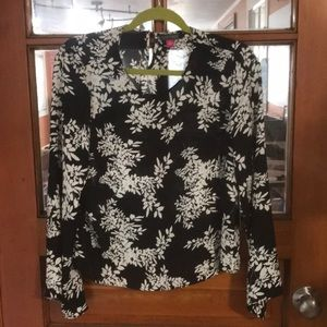 Vince Camuto black and white blouse